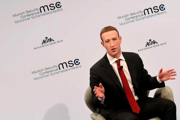 Facebook quer limitar a disseminação de desinformação sobre a pandemia