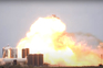Momento da explosão do protótipo no centro de testes da SpaceX em Boca Chica. Não há registo de feridos