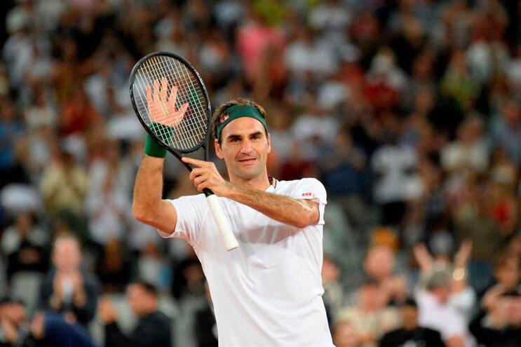 Roger Federer foi operado ao joelho