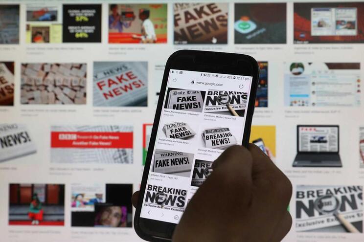 """Preocupação com """"fake news"""" está a tornar as pessoas """"mais cuidadosas"""""""