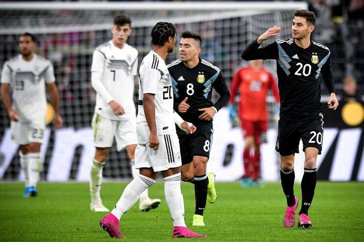Alemanha e Argentina empatam com equipas renovadas em jogo particular