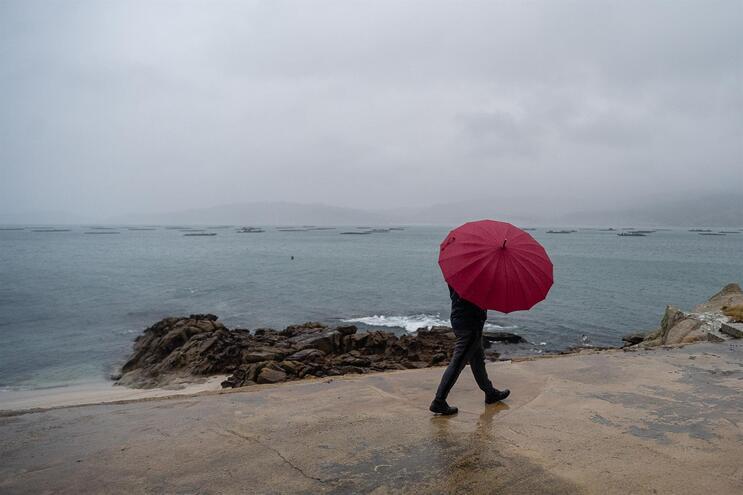 Chuva intensa e vento forte atingem Norte e Centro esta tarde