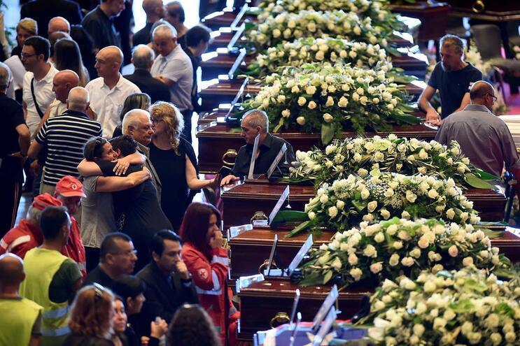 Número de mortos em tragédia de Génova sobe para 43