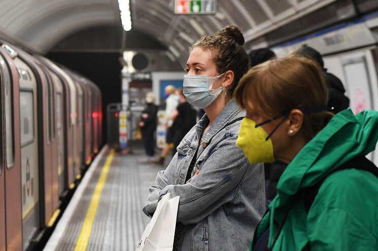 Reino Unido conta 44798 vítimas mortais de covid-19