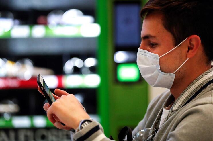 Estado belga terá sido vítima de fraude na aquisição de máscaras de proteção