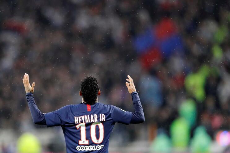 Neymar volta a dar triunfo ao Paris Saint-Germain