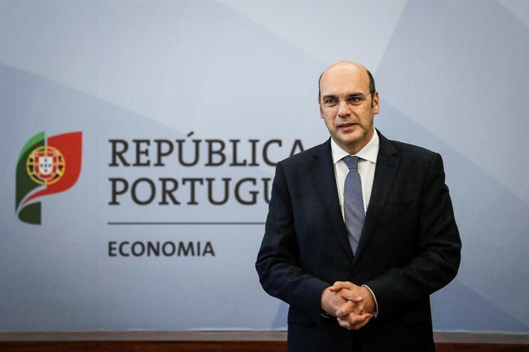 Ministro Adjunto e da Economia, Siza Vieira, falou hoje ao país