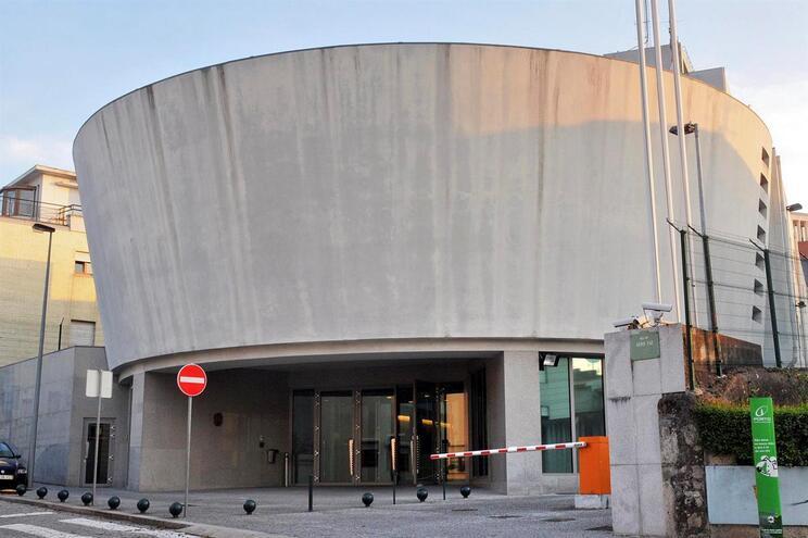Fachada do edifício da PJ no Porto