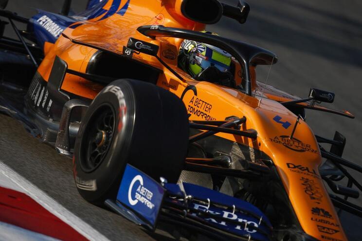 F1/Barcelona: Lando Norris liderou primeiro dia dos segundos testes