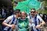 Nas imediações do Estádio do Jamor os adeptos juntavam-se para conviver antes da final