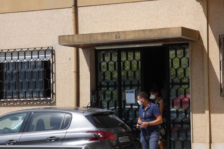 A incendiária confessa à saída da PJ de Braga esta quarta-feira
