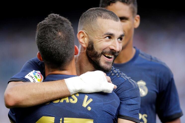 Real Madrid entra a vencer e Valência cede empate aos 90+11 minutos