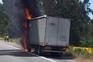 Camião a arder corta trânsito na A28 na Póvoa de Varzim