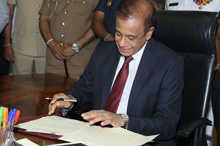 Demissão do mais alto responsável do Ministério da Defesa do Sri Lanka