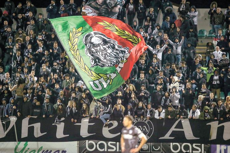 Em estádios de nível 1, como o Dragão, Luz e Alvalade, o valor máximo dos bilhetes pode chegar aos 75