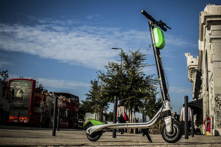 Trotinetas da Lime voltam às ruas de Lisboa