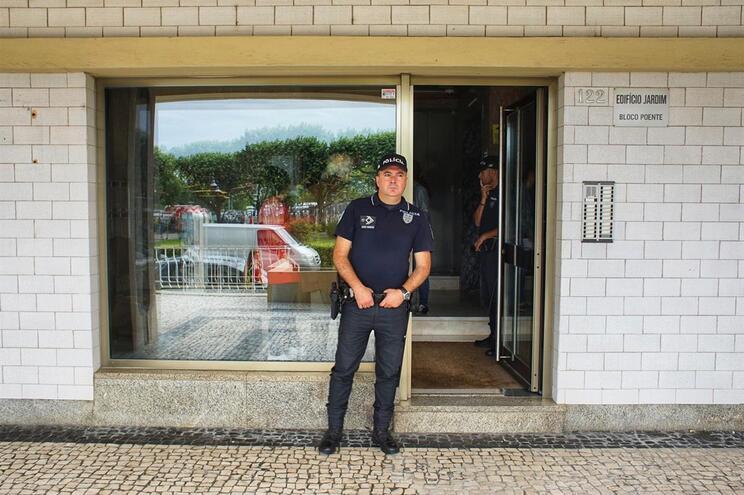 Nova ação dos moradores tenta parar últimos despejos no prédio Coutinho