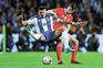 Soares, avançado do F. C. Porto, e Rúben Dias, defesa central do Benfica, são dois dos jogadores da Liga