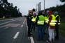 """""""Coletes amarelos"""" cortam estrada em Aveiro"""