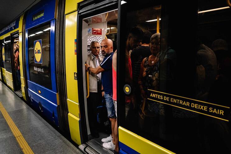 Metro do Porto assina contrato das novas 18 composições na próxima semana