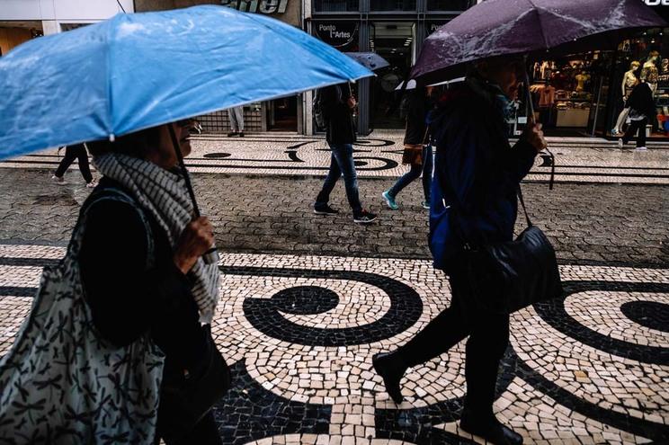 Previsões de chuva e vento forte