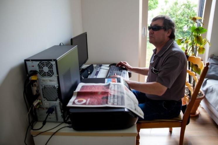 Licínio Oliveira nasceu há 55 anos numa pequena aldeia de Montemor-o-Velho chamada Bunhosa