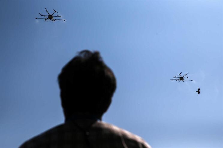 Drones são proibidos junto a aeroportos