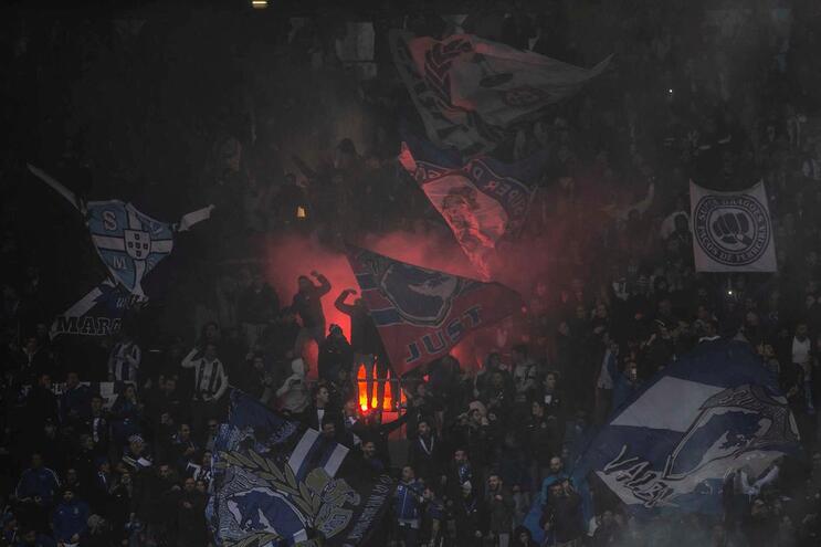 Adepto do F. C. Porto foi visto a agredir um simpatizante do Vitória