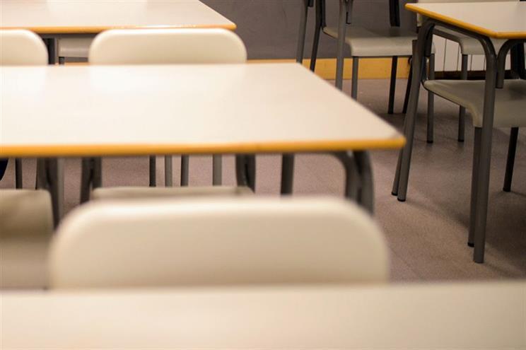 Mais 110 professores em instituições para crianças e jovens em risco
