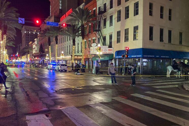 Atirador dispara contra 11 pessoas em Nova Orleães