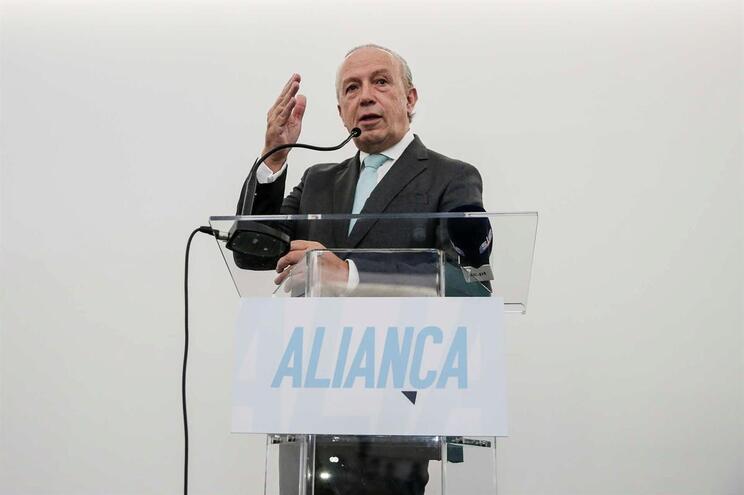 O líder do partido Aliança, Pedro Santana Lopes