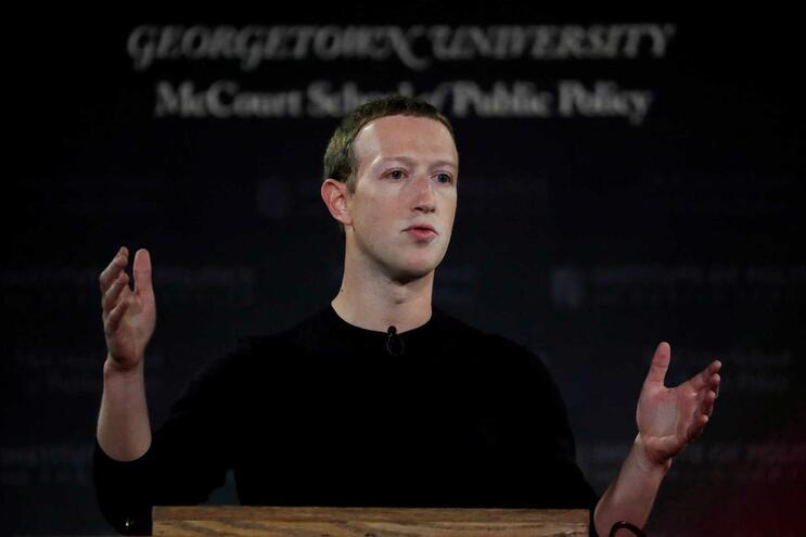 Mark Zuckerberg confirma operação russa para influenciar eleições