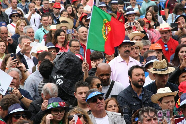 Apesar dos conselhos das autoridades francesas e portuguesas, há quem tenha decidido passar a quarentena
