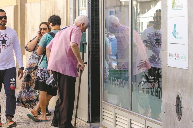 O Centro de Saúde da Alameda, em Lisboa, tem 21 728 utentes (69%) sem clínico atribuído