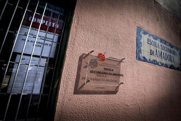 Escola Secundária da Amadora foi das primeiras a fechar devido à Covid-19