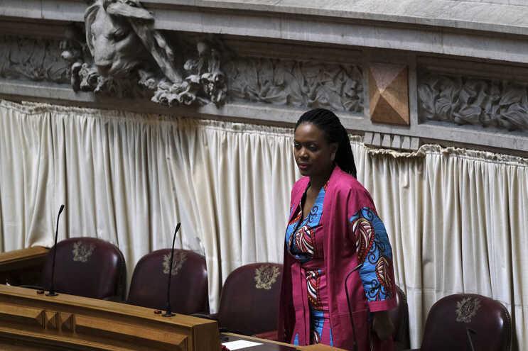 Joacine Katar Moreira é atualmente deputada não inscrita no Parlamento