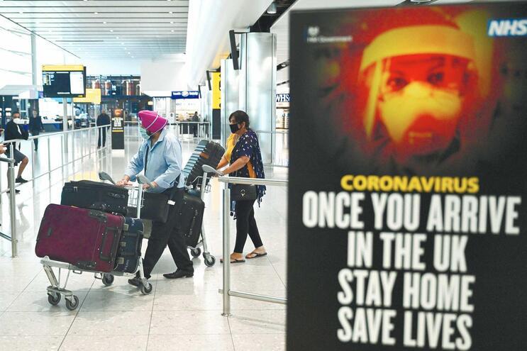 Reino Unido anunciou quarentena de 14 dias obrigatória para todos os que cheguem ao país a partir de