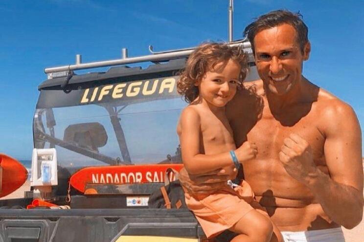 José Carlos Pereira e o filho celebram aniversário da mãe do ator