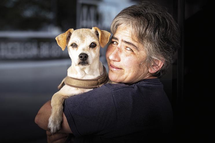 Ana Paula Pereira fez as malas e mudou de casa várias vezes por causa dos seus dois cães