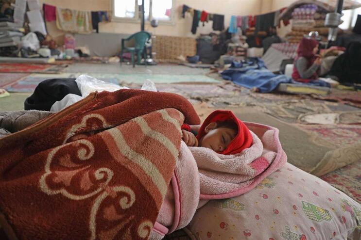 Famílias sírias deslocadas na província de Idlib