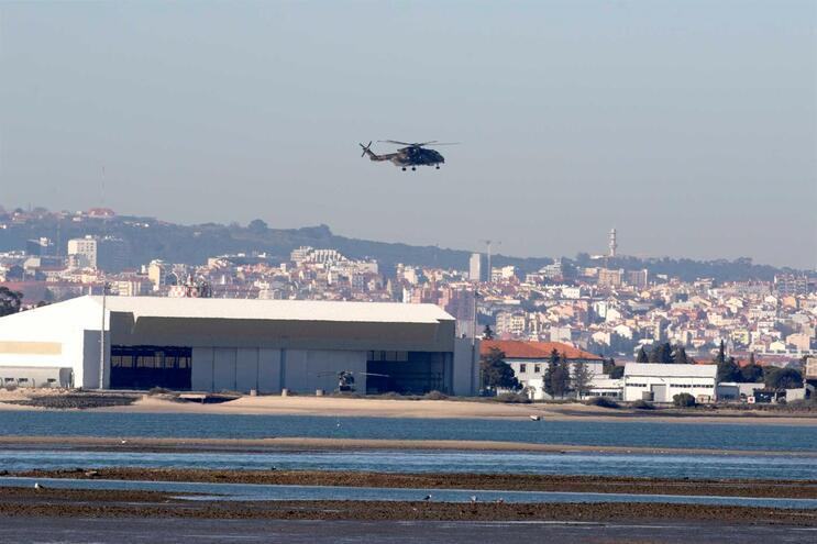Cidadãos tentam travar em tribunal aeroporto do Montijo