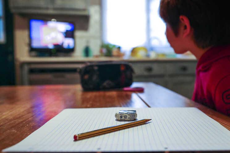 A maioria dos docentes  vai basear a avaliação dos alunos nos trabalhos de casa enviados