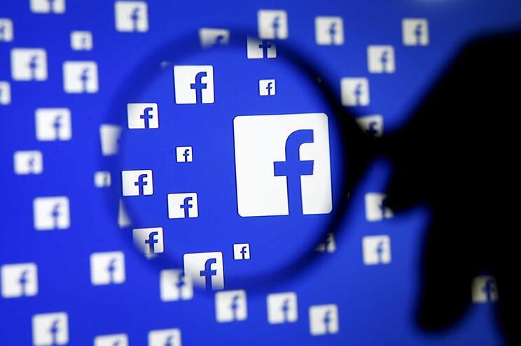 Facebook encerra 23 páginas de notícias falsas