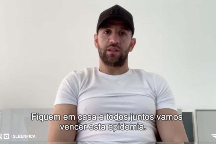 """""""Fiquem em casa"""": Benfica faz apelo em várias línguas"""