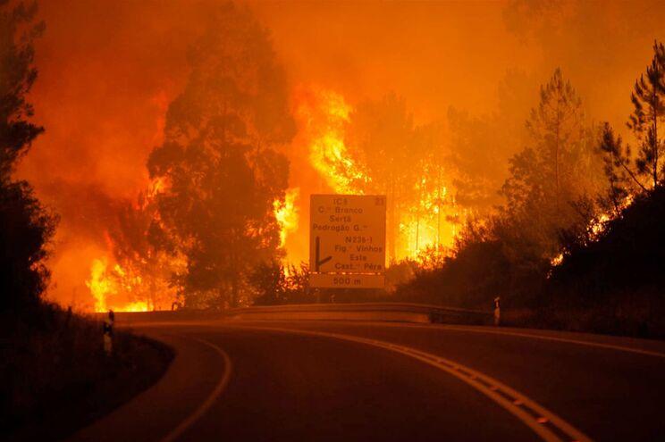 Portugal multa província espanhola por corrida no dia do fogo em Pedrógão