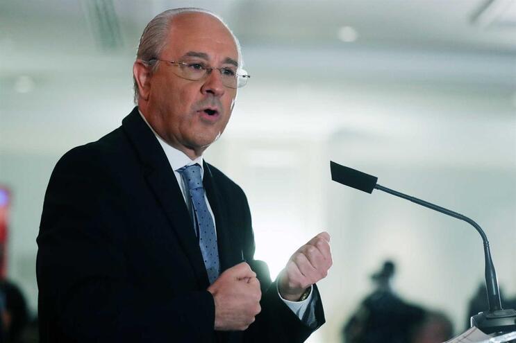 Rui Rio deverá anunciar esta tarde recandidatura à liderança do PSD