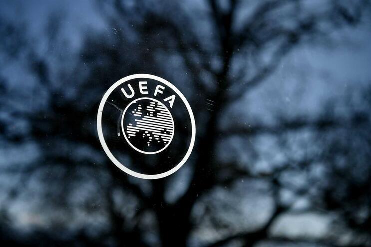 UEFA adiou o Europeu Feminino para 2022
