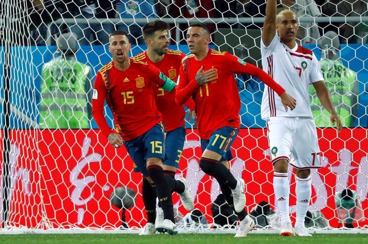 Espanha empata com Marrocos e vence grupo B