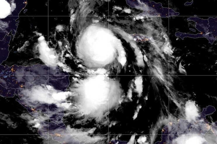 Tempestade Delta passa a furacão e ameaça México antes dos Estados Unidos