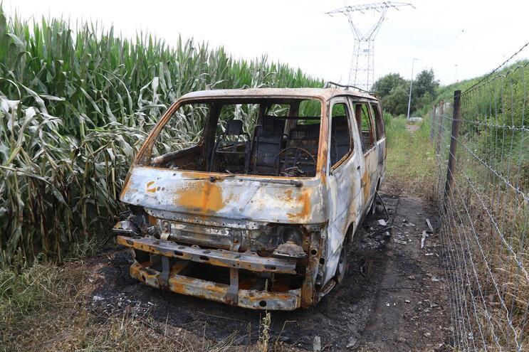 Viatura foi incendiada e abandonada em Custóias, Matosinhos